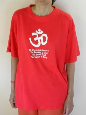 Text Aum T-Shirt Red